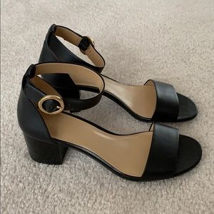 Brand New Michael Kors Lena Block Dress Sandals.